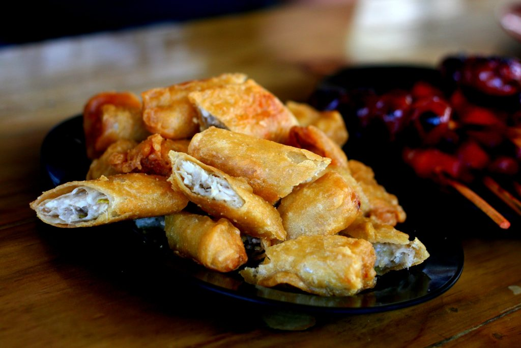 plate of sliced ngohiong