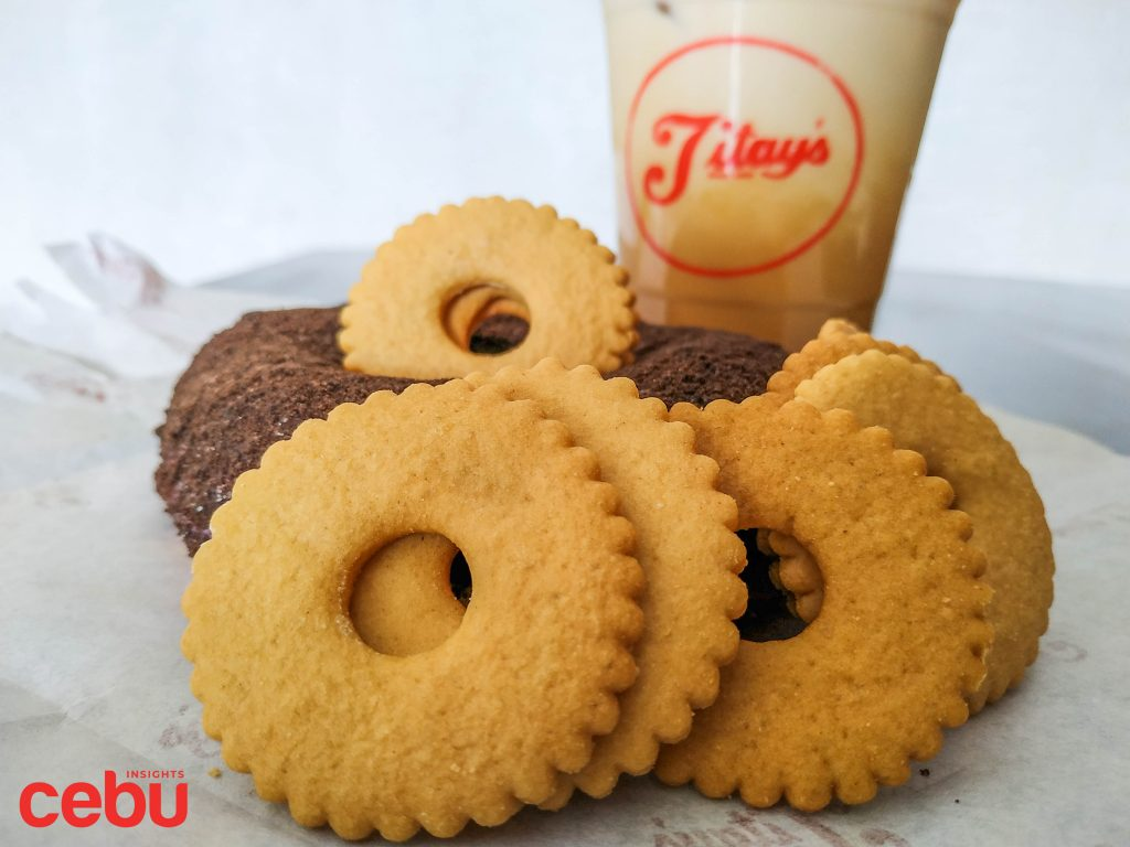 Rosquillos and other products sold at the Titay's Liloan