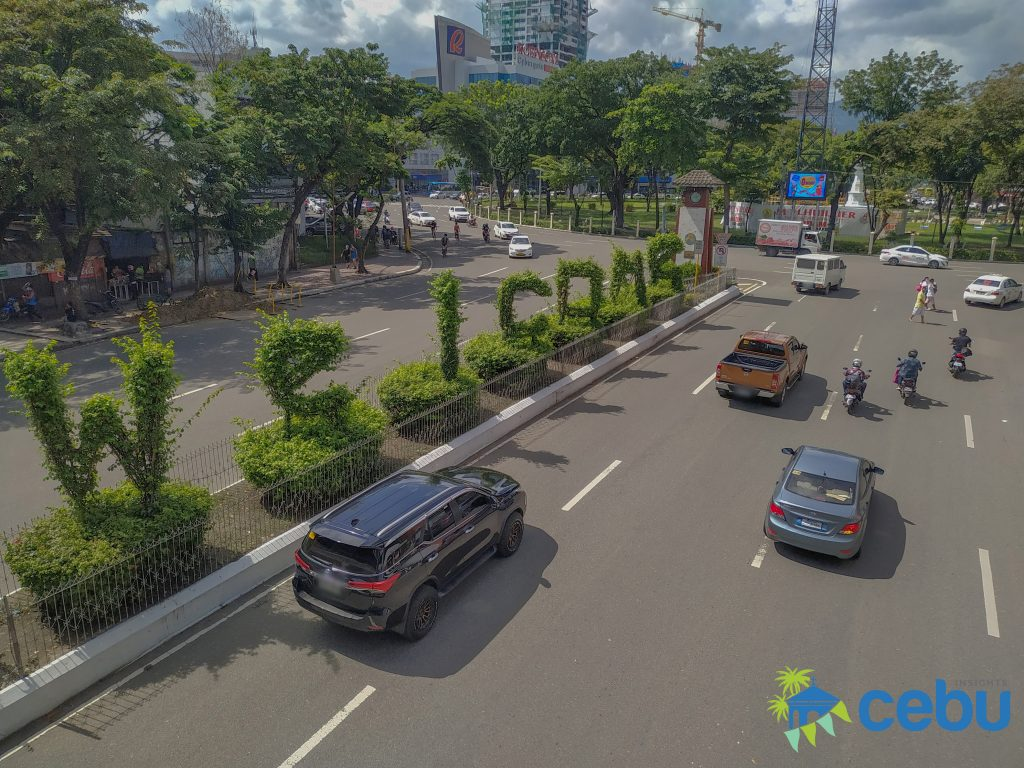 Welcome sign at the Osmeña Boulevard